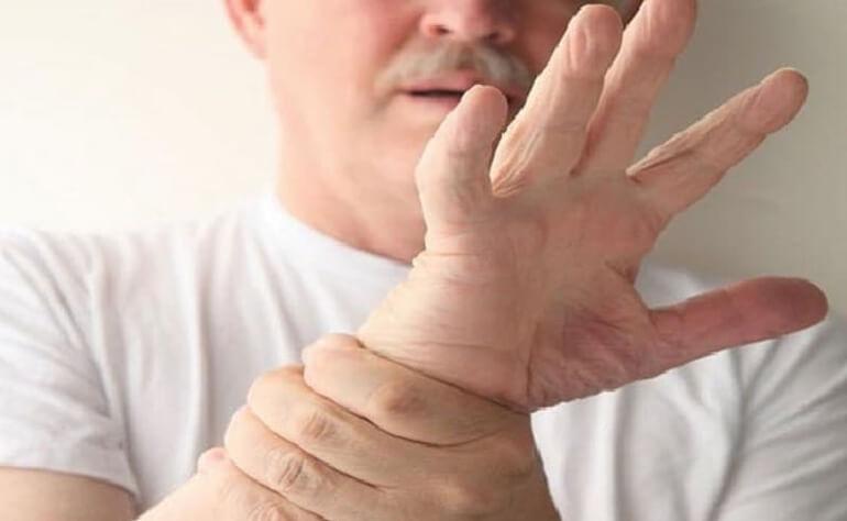 Дрожание рук после алкоголя