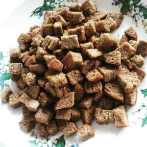 Сухарики из ржаного хлеба после отравления яйцами