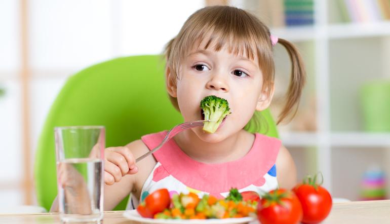 Чем накормить ребенка после отравления