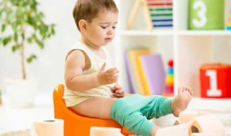 Понос желтого цвета у ребенка: причины